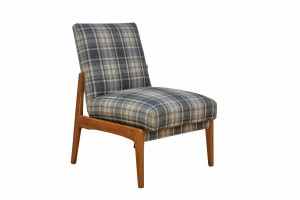 Epipla Gousdovas plaid chair renovation